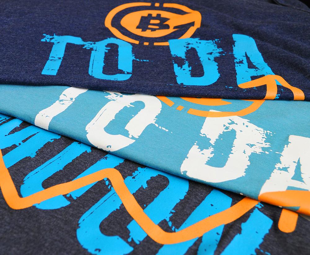 Биткойн тениска MOON